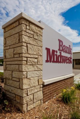 120807_BankMidwest_S_017